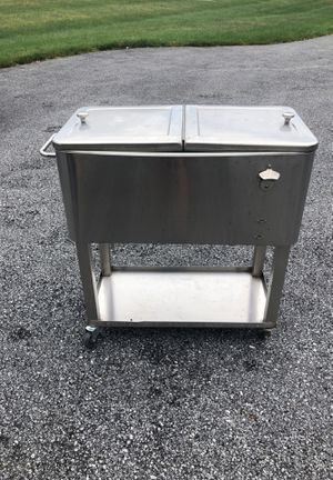 Walking cooler 50 can capacity for Sale in Mechanicsburg, PA