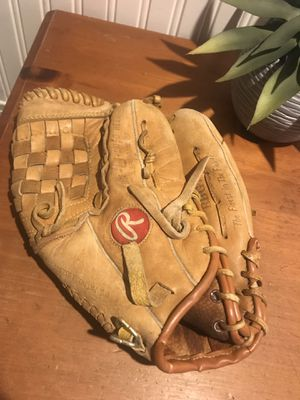 Rawlings signature series glove for Sale in Coram, NY