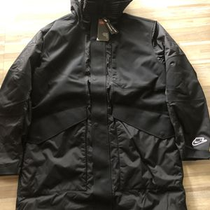 Nike Sportswear Synthetic-Fill Thermal Parka Jacket for Sale in Spring, TX