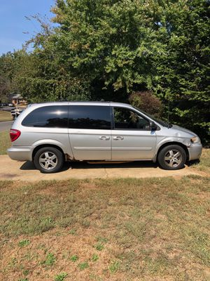 2006 Dodge Caravan Mechanic Special****** for Sale in Oxon Hill, MD