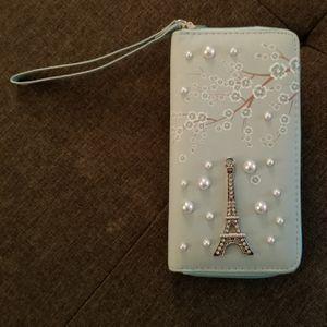 New Eiffel Tower ladies wallet for Sale in Los Angeles, CA