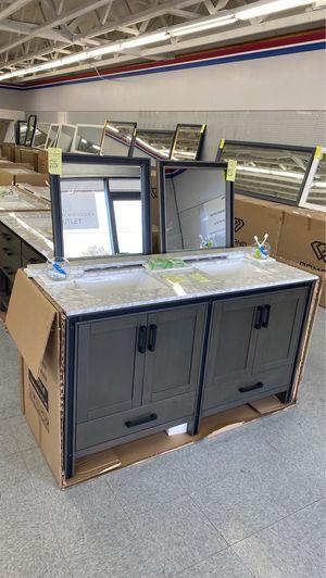 Freestanding bathtubs vanities bathroom cabinets NEW for Sale in Federal Way, WA