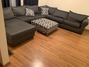 large sectional only had 3 months for Sale in Chicago, IL