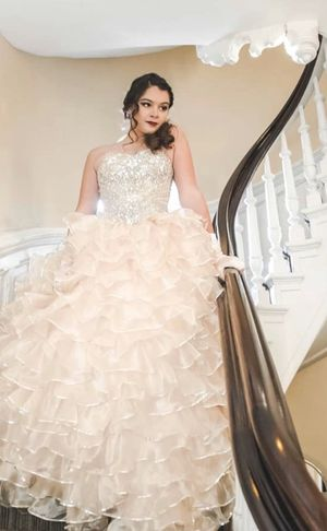 Sweet 16. Quinceanera belle ball gown/dress w train for Sale in Irvington, NY