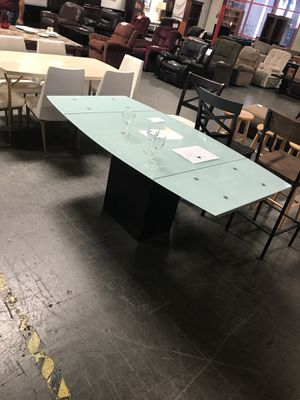 Contemporary dining table new for Sale in San Diego, CA