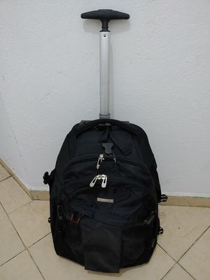 Caribee Carry-On Wheeled Roller Bag Hidden Backpack Straps Laptop for Sale in Arlington, VA