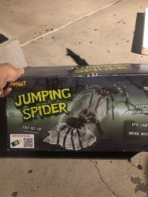 Scary jumping spider halloween prop haunted house decoration for Sale in Phoenix, AZ