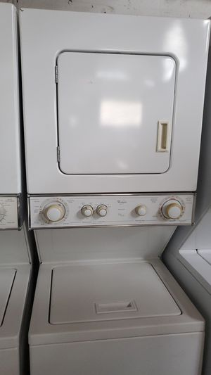 Washer and dryer Combo 24inches perfect condition for Sale in Miami Lakes, FL