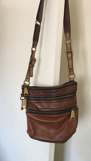 Fossil leather crossbody bag for Sale in Long Beach, CA