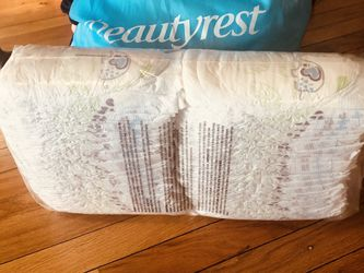 Diapers Size 4 for Sale in Chicago,  IL