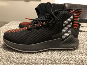 NEED GONE!! DS BRAND NEW Adidas D Rose 9 BRED (Size 10.5) men's basketball sneaker for Sale in Des Plaines, IL