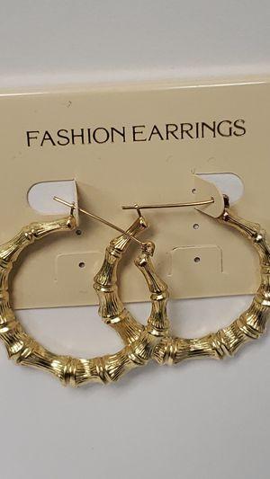 NEW 10 Karat Yellow Gold Women's Bamboo Hoop Earrings for Sale in St. Louis, MO