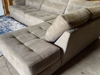 STANTON SECTIONAL (free delivery ) for Sale in Oregon City,  OR