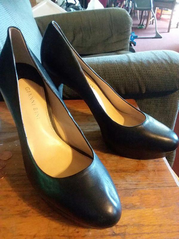 2 pairs 10M Gianni Bini heels and 1 pair 9.5W Brash heels
