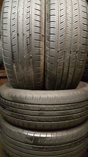 Set used tire Michelin Great condition %95 thread size 195/60/15 for $100 for Sale in Chicago, IL