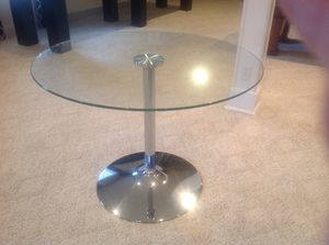 Round modern dining table for Sale in Hebron, KY