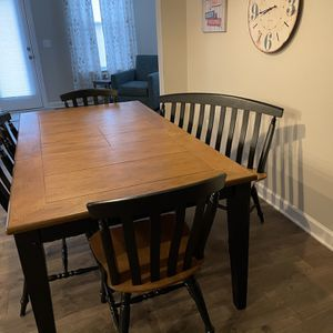 Dining Table And Chairs for Sale in Holly Springs, NC