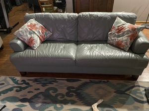 Leather couch with love seat for Sale in Winter Garden, FL