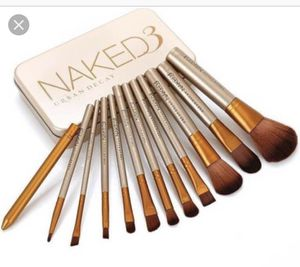Naked 3 Urban Decay 12 Full Size Makeup Brush Set NEW for Sale in Bothell, WA