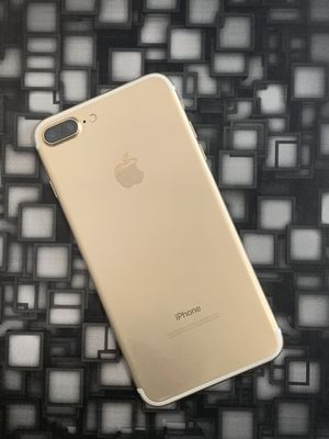 Factory unlocked IPhone 7 plus 256gb for Sale in Everett, MA