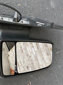 Mercedes Dodge Sprinter 2500 Passenger Side Mirror for Sale in Tinley Park,  IL