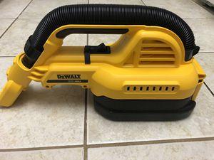 DEWALT vacuum wet/dry for Sale in Walpole, MA