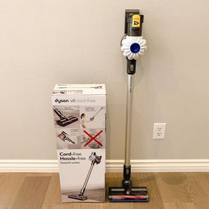 Dyson V6 Core-free Stick Vacuum Cleaner for Sale in Montclair, CA