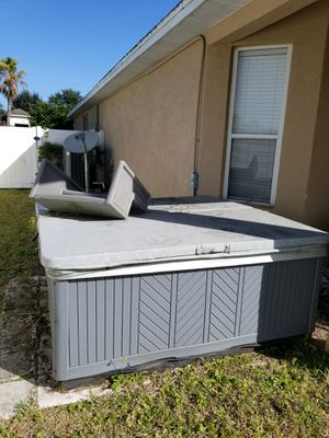 Hot Tub!!! FREE TO A GOOD HOME! for Sale in Ocoee, FL