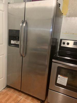 Stainless steel appliances KITCHEN SET for Sale in Miami, FL