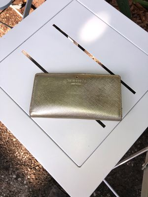 Gold Kate Spade Wallet for Sale in Orlando, FL