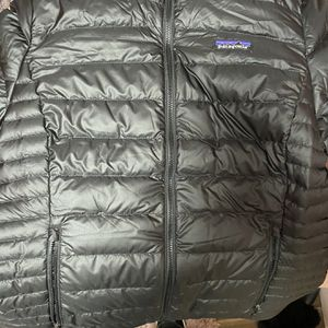 Patagonia Down Jacket Size Small for Sale in Kent, WA