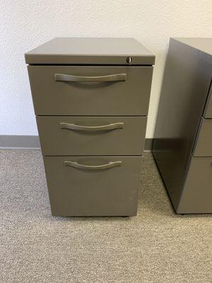 Herman Miller file cabinets, Q Mobile Pedestals for Sale in Los Angeles, CA