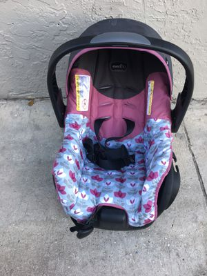 Almost New Car Seat for Sale in West Palm Beach, FL