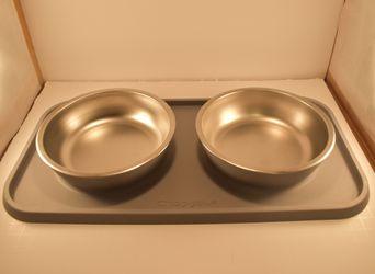 Top Paw Dog Bowl Set w/ Mat for Sale in Prattville,  AL