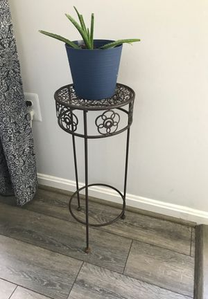 Plant stand for Sale in CHESAPEAK BCH, MD