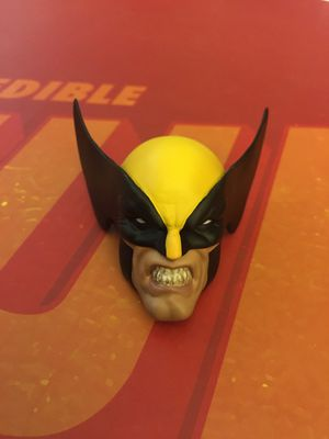 Sideshow collectibles statue hulk vs wolverine maquette head for Sale in Wichita, KS