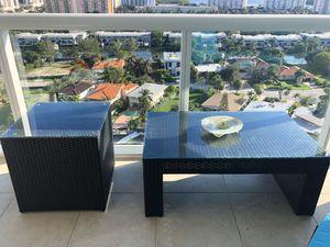 Rattan glass patio tables set - great condition for Sale in North Miami Beach, FL