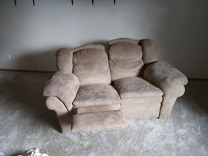 Reclining love seat for Sale in Colorado Springs, CO