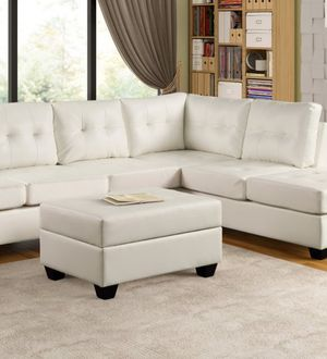 Heights white reversible sectional sofa with storage ottoman for Sale in Houston, TX