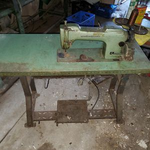 Consew Sewing Machine for Sale in Santa Fe Springs, CA
