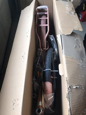 "Huffy 26"" cruiser bike in rose gold for Sale in Douglasville, GA"