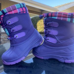 Cherokee Girls Snow Boots Size 11/12 for Sale in La Puente, CA