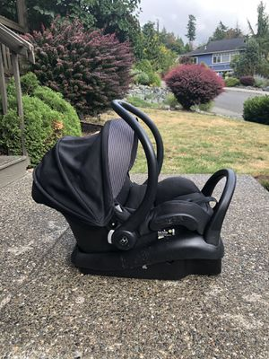 Maxi cosy infant car seat with 2 bases for Sale in Mount Vernon, WA