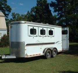 $1000 W0w! Runs Great Premium Body Price Reduced 2000 horse trailer. for Sale in Sacramento,  CA