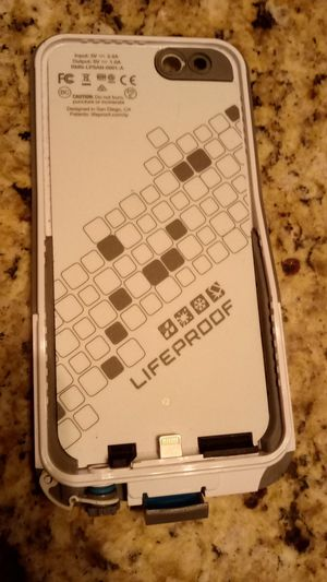 lifeproof iphone 6 phone case rmn-lpsan-00101-a grey and white for Sale in Menifee, CA