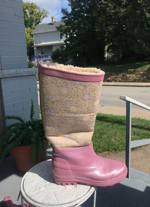 UGG Pink waterproof rain/winter boot with genuine lamb fleece lining. Size 8. for Sale in NO HUNTINGDON, PA
