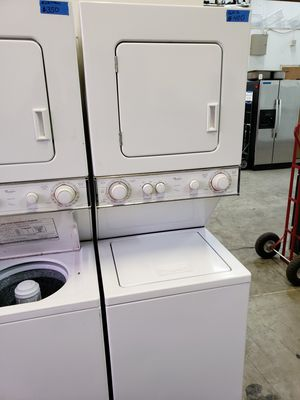 """24"""" WHIRLPOOL THIN TWIN WASHER AND ELECTRIC DRYER for Sale in Modesto, CA"""