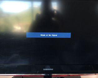 32 Inch Flat Screen Samsung TV for Sale in Riverside,  CA