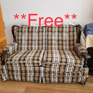 **FREE**Vintage love seat sofas with cover for Sale in Concord, CA