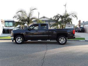 2015 Chevy Silverado TITULO LIMPIO for Sale in Garden Grove, CA